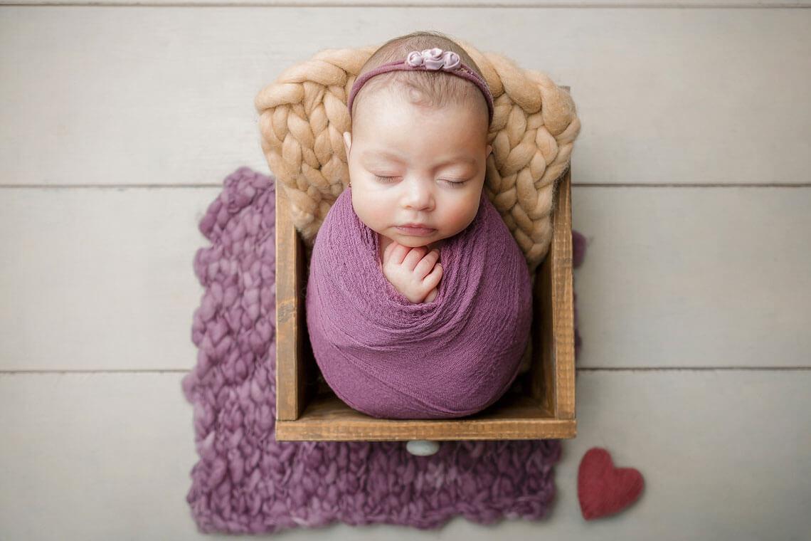 fotografie nou-nascut ioana in sertar