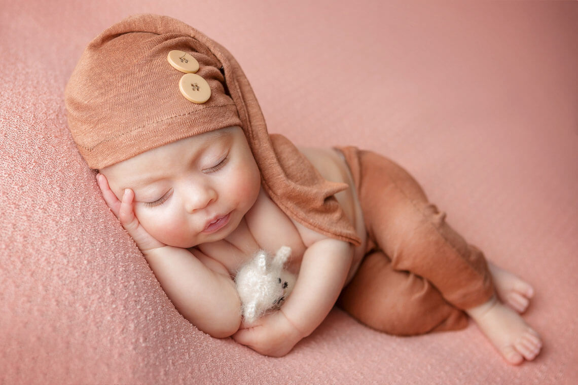 fotografie nou-nascut ioana cu soricel