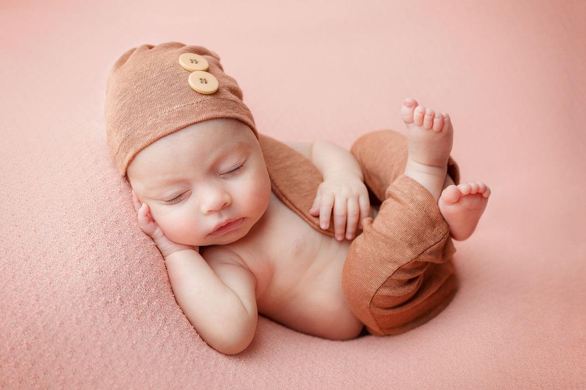 ioana nou-nascut pe spate
