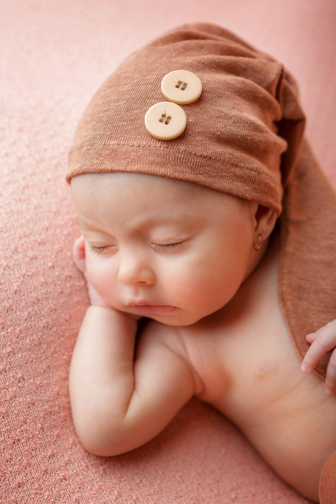 fotografie ioana nou-nascut detaliu