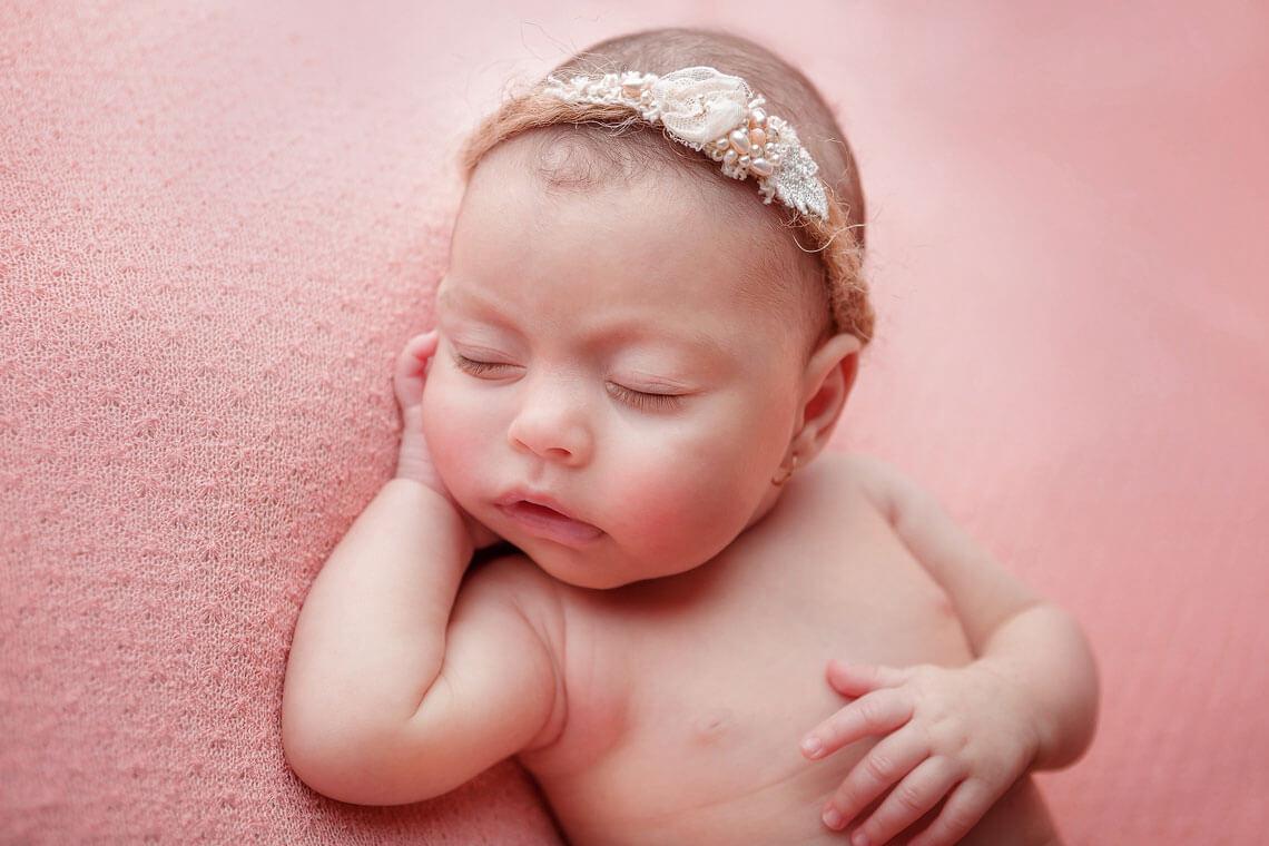 fotografie detaliu ioana nou-nascut