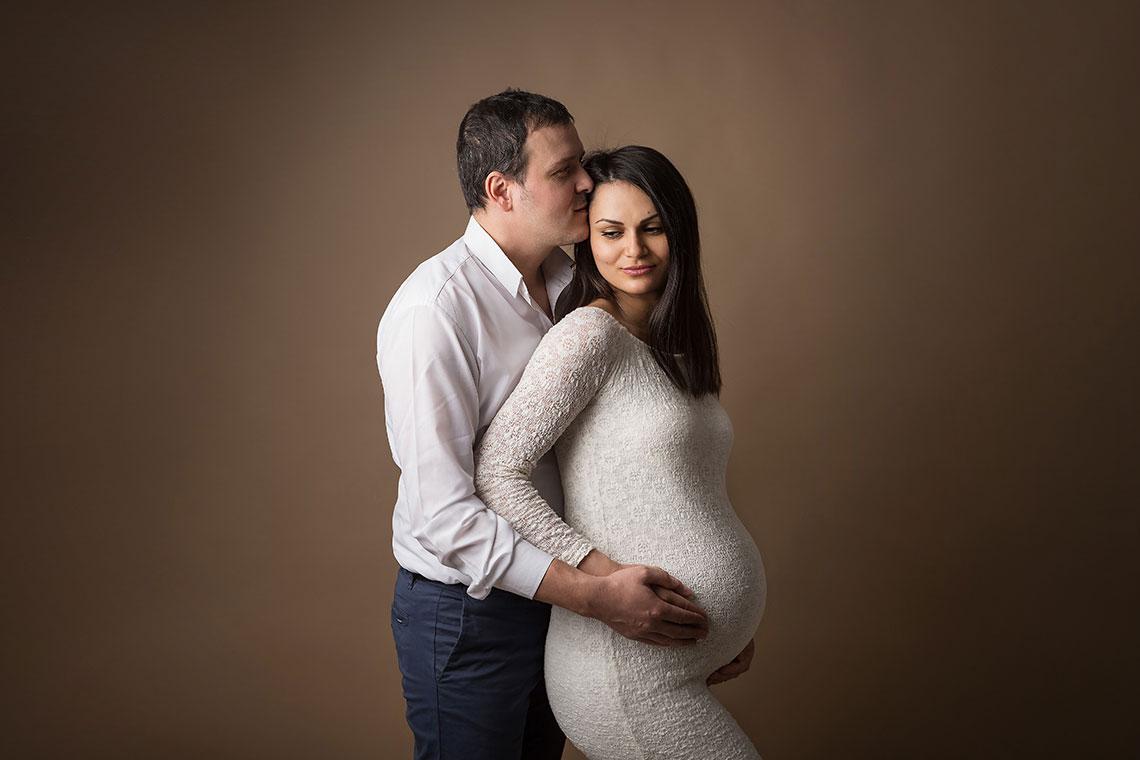 fotografie cuplu de la sedinta foto de maternitate