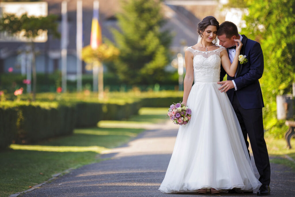 sedinta foto in parc in ziua nuntii